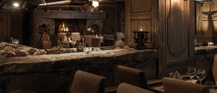 France_Meribel_Hotel-la-chaudanne_Dining-room.jpg